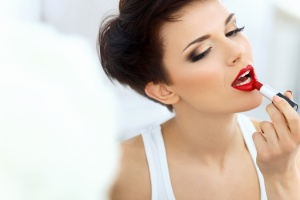 When using red lips as the main focus of your overall makeup look, they have the be perfect!